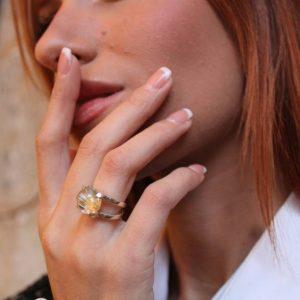 anillo cuarzo rutilo dorado