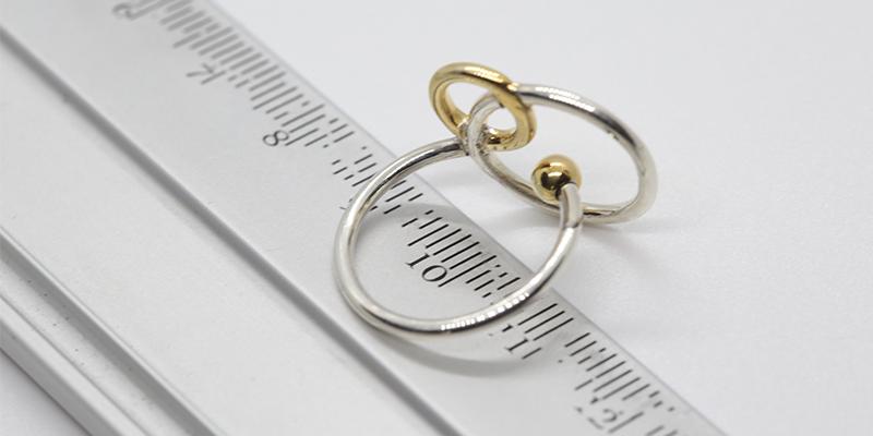 Ejemplo de medición de diámetro interior para saber la talla de un anillo
